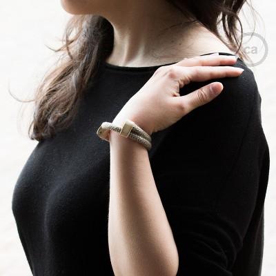 Armband aus Baumwolle und natürlichen Leinen Farbe: Zick Zack braun RD73 Verschluss: verstellbar