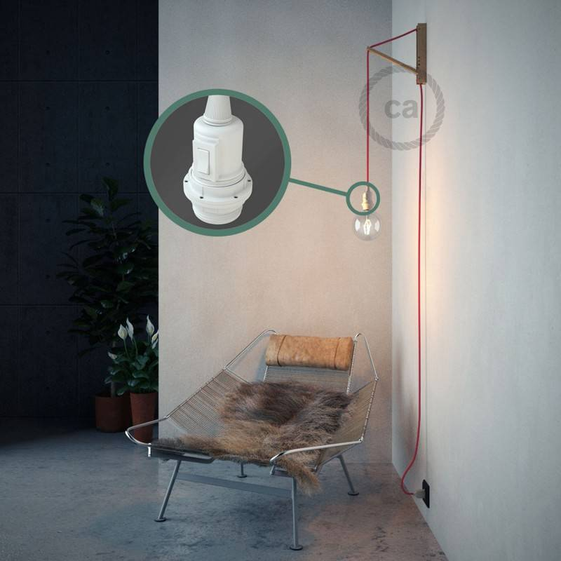 Kreieren sie ihre Snake Lampenschirm Leuchte mit dem RM08 Fuchsia Seideneffekt und erleuchten sie ihre Umgebung.