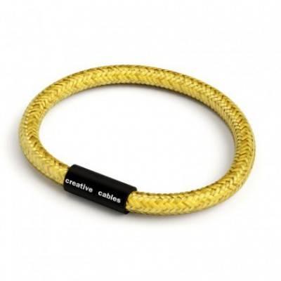 Armband mit mattschwarzem Magnetverschluss und Textilkabel RM31