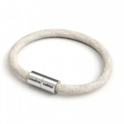 Armband mit mattsilbernem Magnetverschluss und Textilkabel RN01