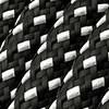 Schwarz und Weiß mit Schwarz-Weiß-Kabel